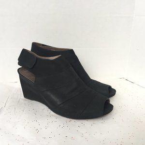 Earthies Black Nubuck High Vamp Peep Toe Sandal 11